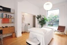 Fancy a little break from the hamster wheel? Butterfield Osteopathy's treatment room offers calm respite as well as caring treatment from our skilled osteopaths.