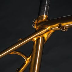 Handmade bicycles frames and parts made in France. ✉ info@victoire-cycles.com