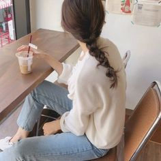 - Hair Styles For School Aesthetic Hair, Korean Aesthetic, Aesthetic Photo, Korea Fashion, Ootd Fashion, Fashion Outfits, Korean Photography, Girl Photography, Korean Girl