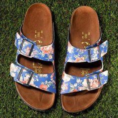 Cute & Comfortable! #WeekendWishList #floral #sandals