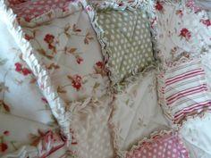 """Patchwork """"Las Magnolias"""": Rag Quilt"""