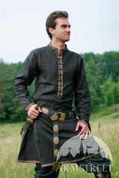 Natural Flax Linen Medieval Fantasy Tunic Garb Elven Prince via Etsy. Medieval Tunic, Medieval Costume, Medieval Clothing, Men's Renaissance Costume, Medieval Boots, Viking Tunic, Gypsy Clothing, Renaissance Era, Medieval Armor