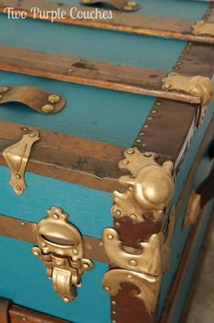 Furniture Makeover Tip: Use Rub 'n Buff on hardware to really make it shine! — You've got to see this whole DIY steamer trunk makeover. It is incredible! ⛪⛪— Visit our shop canvas art —⛪⛪ makeover ideas makeover diy makeover thrift store Rub N Buff, Furniture Projects, Diy Furniture, Diy Projects, Vintage Furniture, Furniture Stores, Furniture Plans, Furniture Removal, Furniture Layout