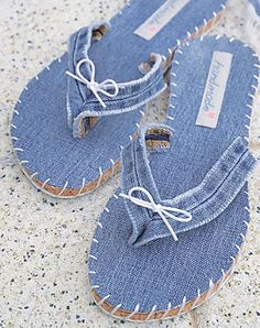 Crafts Using Old Jeans Flip Flops Diy, Jean Crafts, Denim Crafts, Diy Jeans, Crochet Shoes, Crochet Slippers, Crochet Dolls Free Patterns, Sewing Patterns, Homemade Shoes