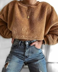 Image about girl in clothes by 𝚖𝚊𝚝𝚑𝚒𝚕𝚍𝚎 ♡ on We Heart It Trendy Outfits, Winter Outfits, Fashion Outfits, Where To Buy Clothes, Sweater And Shorts, Cute Fashion, Fashion Women, Cheap Fashion, Girl Fashion