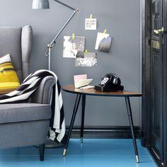 IKEA wypuściła właśnie nowy katalog 2014. I nas nie zawiodła. Jest kilka nowych mebli i dodatków do domu, a cały katalog podpowiada jak wygodnie urządzić mieszkanie dla rodziny z dziećmi. Meble IKEA są wielofunkcyjne i łatwe do dopasowania w każdym wnętrzu. Stolik nerka, czy nowa konsola świetnie oddają klimat skandynwaskich wnętrz.