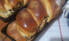 Cozonaci pufoși cu nucă - rețetă tradițională - Farfuria Colorată Banana Bread, Food And Drink, Desserts, Food, Tailgate Desserts, Deserts, Postres, Dessert, Plated Desserts