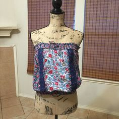 Strapless Floral Top Great condition. Tie on top w/ elastic, elastic on bottom. Energie Tops