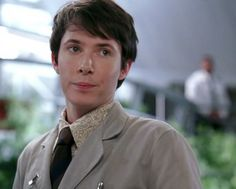 Ryan Cartwright as Vincent Nigel-Murray from Bones. It broke my heart when he died on the show. Booth And Bones, Booth And Brennan, Ryan Cartwright, Doctor Who, Bones Tv Show, Murdoch Mysteries, Emily Deschanel, Laughing And Crying, Cute Actors