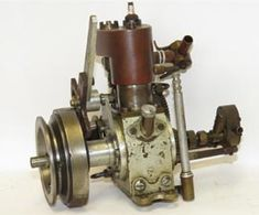 16cc, single cylinder, side valve motor links to the very earliest days of the use of IC engines in racing boats, as it was built by F G Arkell