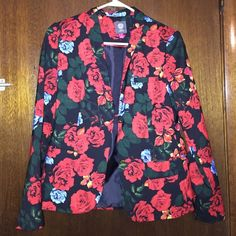 Floral blazer- used once Approximate Measurements:  Length: 23.5 inches- Chest (armpit to armpit): 18 inches- True Sleeve (Back middle tag, over shoulder, and to cuff): 32.5 inches- Back shoulder seam to seam: 15.5 inches Vince Camuto Jackets & Coats Blazers