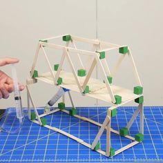 Engineering Projects, Science Projects For Kids, Stem Projects, Science Experiments Kids, Science For Kids, Bridge Engineering, Craft Stick Crafts, Diy Crafts For Kids, Stem Activities