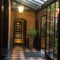 Entrance to Chiltern Firehouse
