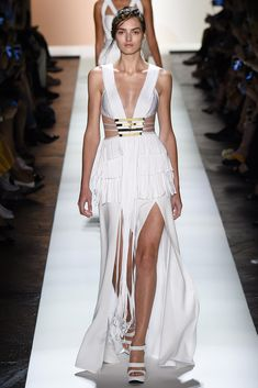 See all the Collection photos from Herve Leger By Max Azria Spring/Summer 2016 Ready-To-Wear now on British Vogue Max Azria, Fashion Week, Runway Fashion, Fashion 2016, Herve Leger Dress, Fringe Fashion, Vogue, New York, Fashion Show Collection