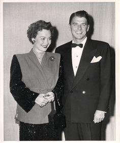 1947 - Jane Wyman & Ronald Reagan at the Academy Awards.  Jane Wyman was Ronald Reagan's first wife.