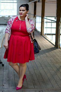 Plus size fashion - beautiful dress! - body diversity