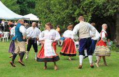 Folk dancing (at Seedrioru 2013)