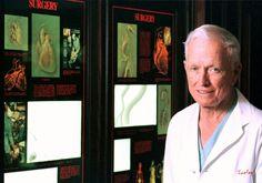 HOUSTON (AP) — El doctor Denton Cooley, cirujano cardiovascular que realizó algunos de los primeros trasplantes cardiacos en Estados Unidos e implantó el primer corazón artificial en el mundo, falleció el viernes. Tenía 96 años.