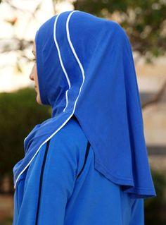 Hijabs for the Modern Muslim Woman Frau mit schickem sportlichen Look & Hijab 💙💙♥ Hijab Fashion, Fashion Dresses, Sports Hijab, Floaty Dress, Abaya Designs, Hijab Tutorial, Islamic Fashion, Scarf Design, Beautiful Hijab