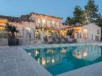 Zu vermieten Aix en Provence Frankreich Landhaus, entdecken 'Charmantes Landhaus' Ferienwohnung 10 Personen Nr.18074 IHA : Swimmingpool, Tennis, Parkplatz