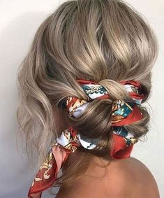 Bandanna hairstyles that 50 fashionable women must have - Latest Fashion Trends For Woman Hair Wrap Scarf, Hair Scarf Styles, Hair Styles 2016, Curly Hair Styles, Headband Hairstyles, Messy Hairstyles, Braided Hairstyle, Hairstyle Ideas, Natural Hair Care
