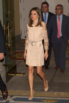 There's one notable modern monarch who deserves just as much praise as a style icon—Queen Letizia of Spain. Ahead, breeze through the best of Queen Letizia's statement-making outfits. Estilo Real, Day Dresses, Summer Dresses, Laetitia, Mode Top, Queen Letizia, White Mini Dress, Red Carpet Dresses, Royal Fashion