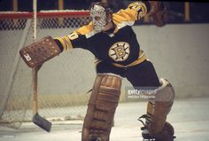 canadian-professional-ice-hockey-player-gerry-cheevers-goalie-of-the-picture-id72653623 (1024×691) Boston Bruins Goalies, Bobby Orr, Ice Hockey Players, Goalie Mask, Boston Red Sox, Major League, Nhl, Celtic, Sports