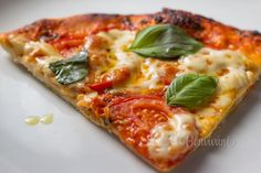 Pizza Margherita • recept • bonvivani.sk Russian Recipes, Italian Recipes, Vegetable Pizza, Ale, Dinner, Cooking, Food, Quiche, Polish