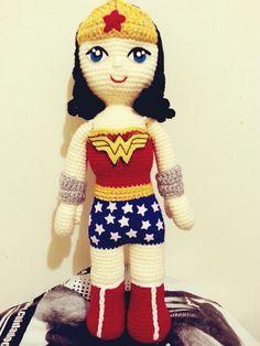 Amigurumi Wonder Woman : Mis CREaciones AMIGURUMI on Pinterest Amigurumi, Sheriff ...