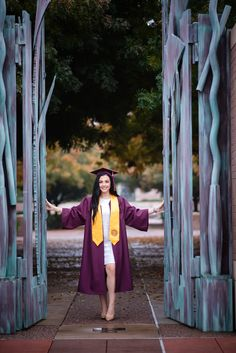 Arizona Photographer specializing in Family, Maternity, newborn, Senior, and Engagement Photography. College Graduation Pictures, Grad Pics, Fairy Photography, Photography Ideas, Graduation Photoshoot, Neck Deep, Anna Campbell, Graduation Celebration, Engagement Photography