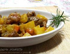 Lo spezzatino allo zafferano è una pietanza ricca da servire come secondo piatto o come piatto unico. Mi piace molto lo spezzatino di carne con patate e ...