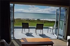 https://www.holidayhouses.co.nz/properties/6862.asp?datein=2017-04-12 From $400 Waihi Beach $2400 with additional flat.