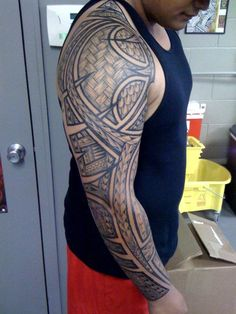 40 Full Sleeve Tattoo Designs to Try This Year Skull Sleeve Tattoos, Cool Half Sleeve Tattoos, Full Sleeve Tattoo Design, Half Sleeve Tattoos Designs, Maori Tattoo Designs, Tribal Tattoos, Black And Grey Sleeve, Black And Grey Tattoos, Tattoo Foto
