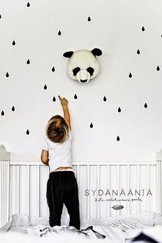 the boo and the boy: black and white kids' rooms. We love those raindrops too kiddo. And that stuffed panda head? White Kids Room, Monochrome Nursery, White Nursery, Deco Kids, Animal Heads, Nursery Inspiration, Kid Spaces, Kidsroom, Kids House