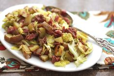 Barefeet In The Kitchen: Corned Beef, Cabbage and Red Potato Hash fast metabolism breakfast Cabbage And Potatoes, Corn Beef And Cabbage, Cabbage Recipes, Broccoli Recipes, Chicken Recipes, Irish Recipes, Paleo Recipes, Cooking Recipes, Skillet Recipes