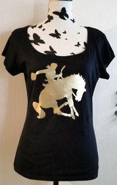 Boatneck T-Shirt with print T-Shirt Rodeo by TachinedasCreative