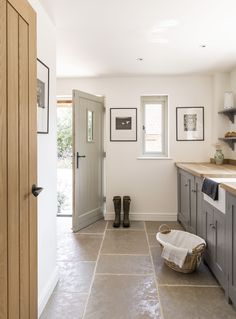 Border Oak Case Study, Little Friths. Brick built Pearmain Cottage designed and built by Border Oak Style At Home, Küchen Design, House Design, Cottage Hallway, Boot Room Utility, Utility Room Designs, Border Oak, Oak Framed Buildings, Laundry Room Inspiration