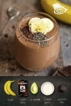 1/2 awokado 1 banan 1 łyżka kakao DecoMorreno 2 łyżki jogurtu naturalnego opcjonalnie: 1 łyżeczka miodu i orzechy do posypania lub nasiona chia. Wszystkie składniki zmiksuj dokładnie na jednolity shake. Pamiętaj, że banan i awokado powinny być dojrzałe, aby deser wyszedł kremowy i słodki. Healthy Sweets, Healthy Snacks, Helathy Food, Chocolate Slim, Food Inspiration, Love Food, Sweet Recipes, Food Porn, Food And Drink