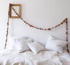 How much do I want my own dried flower garland, to drape over mirrors and above windows and maybe even across my computer screen? So much. In fact I am obsessing over it right now: DIY Project No. 20 from Brooklyn stylist Shane Powers' new book. But the garland looks kind of hard to make.