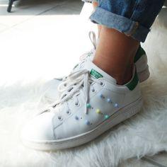 Basket Nike Stan Smith New Ideas Custom Sneakers, Custom Shoes, Custom Clothes, Diy Clothes, Adidas Outfit, Adidas Shoes, Shoes Sneakers, Rihanna Shoes, Basket Nike