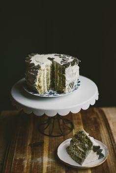 black-sesame-vertical-roll-cake-matcha-mochi | le jus d