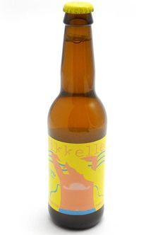 A delicious, pale wheat beer of the American style. Light gold colors with lively … – Juice Recipes Low Alcohol Drinks, Alcoholic Drinks, Light Gold Color, Gold Light, Wine Society, Wheat Beer, Hot Sauce Bottles, Beer Bottle, Best Sellers