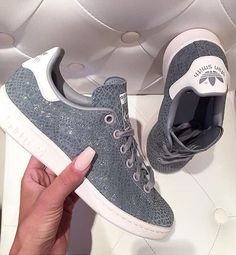 wholesale dealer 3f8b5 c2a43 Pinterest    mariaaaahlove ♡ Adidas Stan Smith Grey, Shoes Heels, Shoe  Boots,