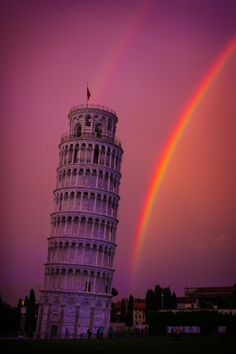 Purple Sky, Rainbow and Tower in Pisa, Tuscany - Italy Places Around The World, Around The Worlds, Beautiful World, Beautiful Places, Cool Pictures, Cool Photos, Photo Polaroid, Pisa Italy, Italy Italy