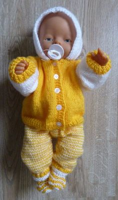 Doll Clothes Patterns, Doll Patterns, Clothing Patterns, Knitting Patterns, Boy Baby Doll, Baby Dolls, Baby Born Clothes, Stuffed Toys Patterns, Baby Booties