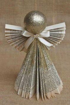 Anjo de Natal feito com revista e isopor