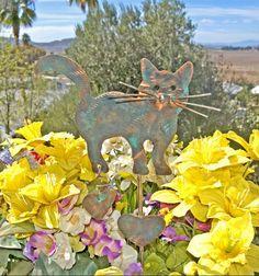 Cat Garden Stake / Metal Yard Art / Metal Garden Art / Garden Copper Art / Pet Memorial / Outdoor Home Decor / Kitty Sculpture / Patina