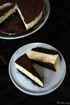 na krachym spodzie: Czekoladowe ciasto z musem z białej czekolady