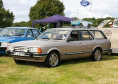 Ford Granada a more executive version of the Cortina. Classic Cars British, Ford Classic Cars, Generation 2.0, Normal Cars, Ford Granada, Sports Wagon, Veteran Car, Henry Ford, Commercial Vehicle