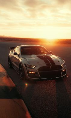 Unveiled at the 2019 Detroit Auto Show, the new, 2020 Ford Mustang Shelby Is the most powerful street-legal Ford vehicle ever made! Ford Mustang Shelby Gt500, Neuer Ford Mustang, Mustang Cars, Ford Shelby, Ford Gt500, Supercars, Ford Mustang Wallpaper, R35 Gtr, Automobile